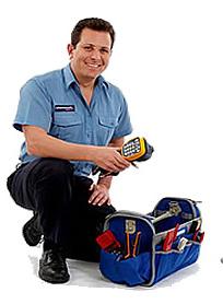 Мастер по ремонту инвалидных колясок - фото